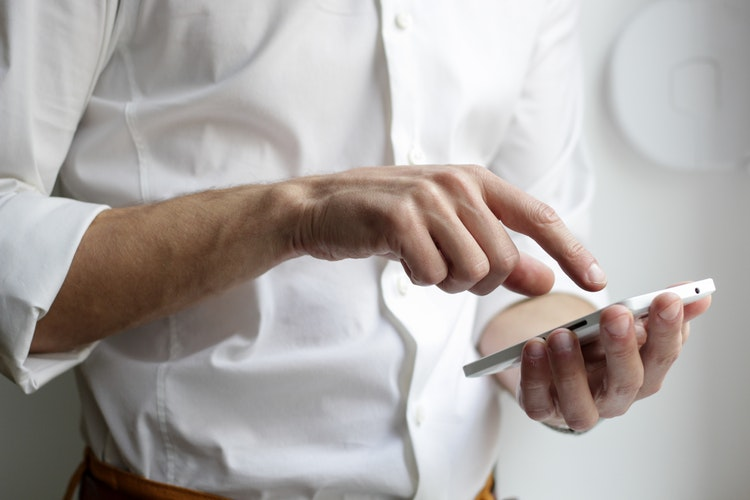 3 hacks to help you run a business from your smartphone